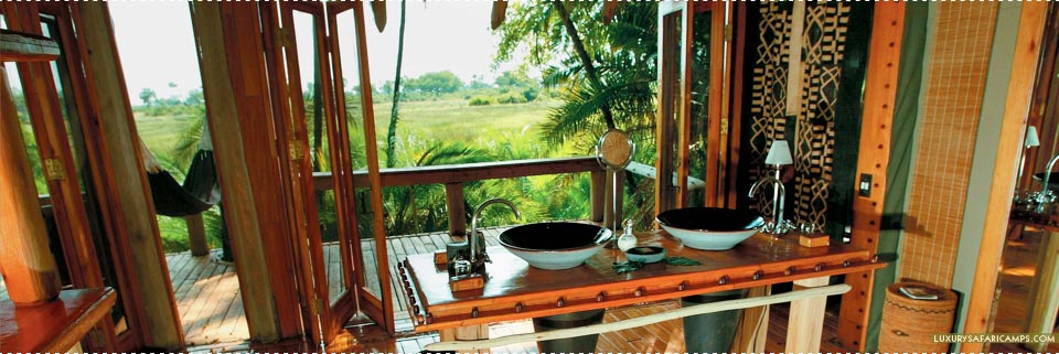 Bathroom with a view at Jao Camp